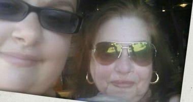 Amanda Ruiz and her mother, Rhoda Ruiz.(Facebook)