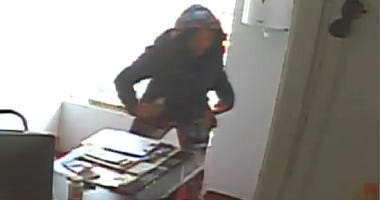 Police are looking for a man and a woman who distracted and robbed a Bronx mechanic.