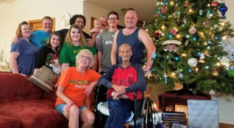 Father With Colon Cancer Dies Days After Celebrating Last Christmas With Family 1010 Wins