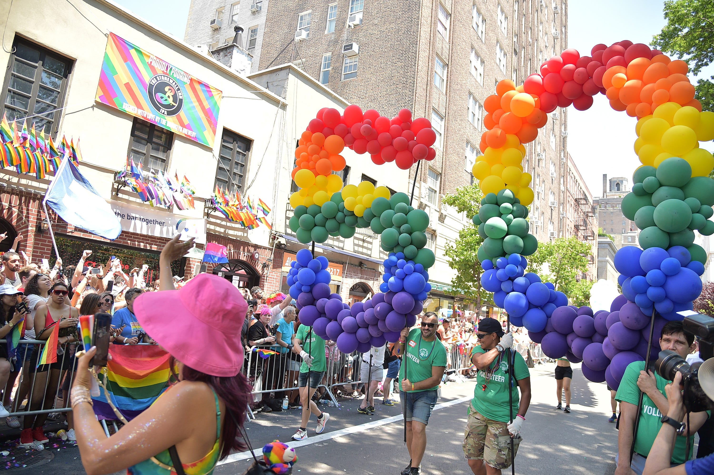 Massive Crowds At 2019 Nyc Pride March 1010 Wins