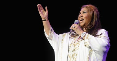 NEW YORK, NY - FEBRUARY 17: Aretha Franklin performs at Radio City Music Hall on February 17, 2012 in New York City.