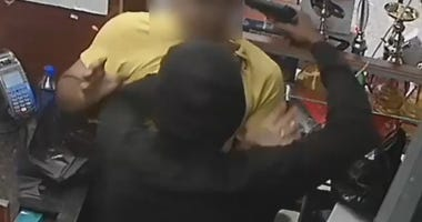 A clerk fought off an armed robber at the Habibi Deli in the Bronx.