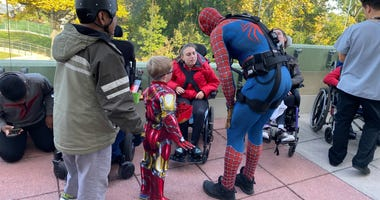 NYPD ESU officer dresses as Spiderman for sick kids