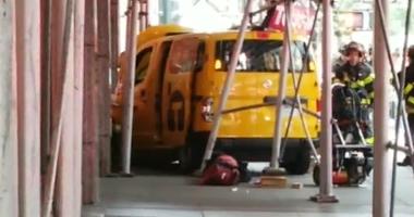 Cab crashed into scaffolding