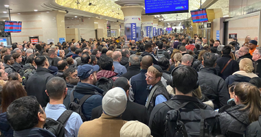 Penn station crowded due to NJ Transit delays