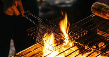 Outdoor cooking file