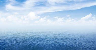 Ocean horizon file image