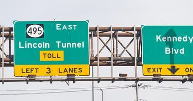 Toll lincoln tunnel