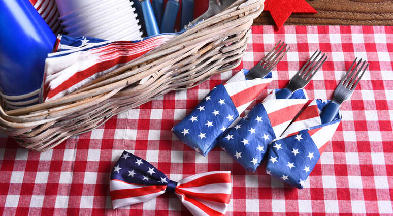 No 4th of July party or picnic would be complete without drinks and desserts in red, white and blue.