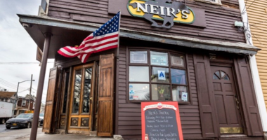 Neirs Tavern