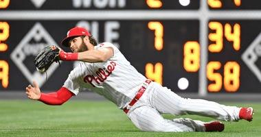 Bryce Harper drops ball