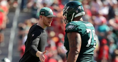 Brandon Brooks defends Carson Wentz