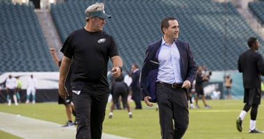 Doug Pederson and Howie Roseman