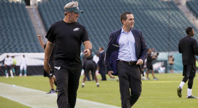 Doug Pederson and Howie Roseman