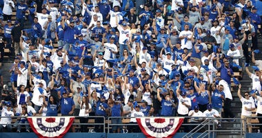 Grumpy Dodgers fan does not like rally towels