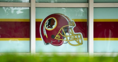 Dan Snyder should 'do the right thing,' change Redskins name