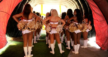 Redskins_Cheerleaders_2013
