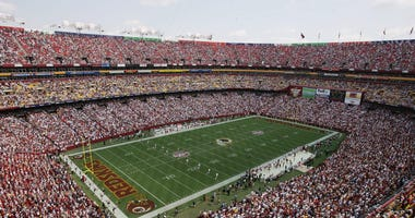 FedEx to remove signage if Redskins don't change name