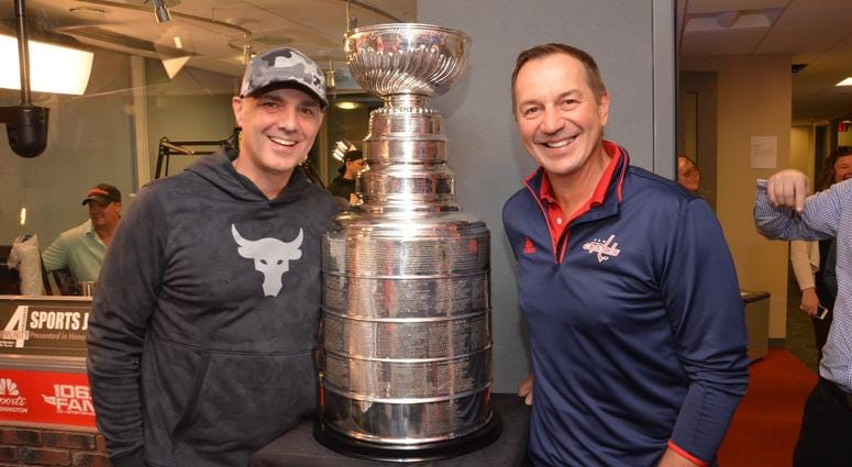 EB poses with Caps legend Peter Bondra