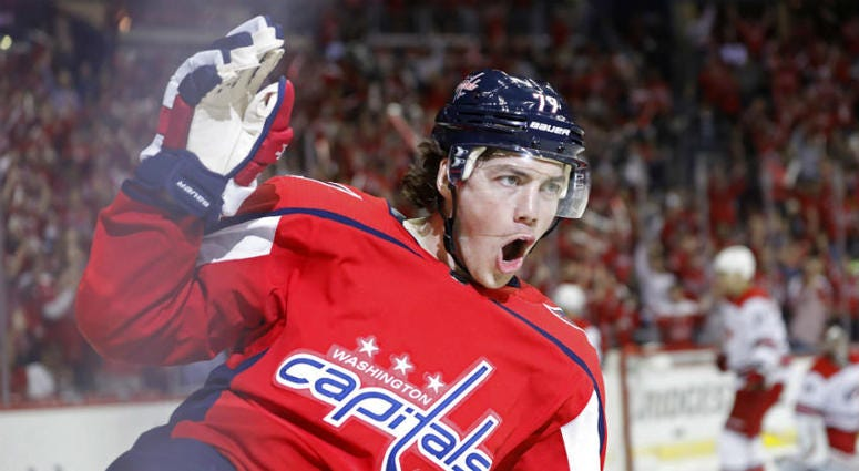 T.J. Oshie got the Capitals off to a hot start in Game 2 vs. the Hurricanes.