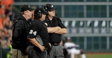 Fans react to umpire controversy at World Series