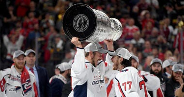 TJ_Oshie_Jay_Beagle_Stanley_Cup