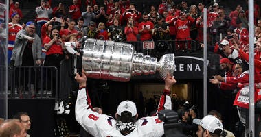 Alex_Ovechkin_Stanley_Cup