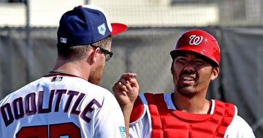 Nationals catcher Kurt Suzuki has no problem splitting time with Yan Gomes.