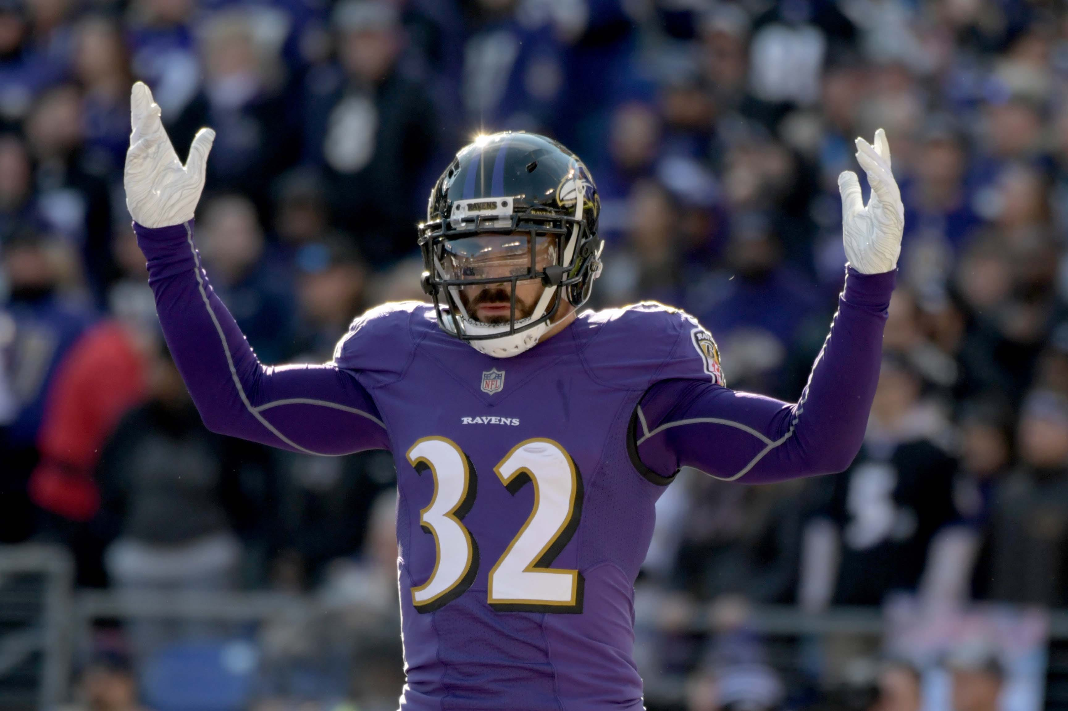 the best attitude 06fc0 255cd Eric Weddle Mulls Retirement if Released by Ravens | Sports ...