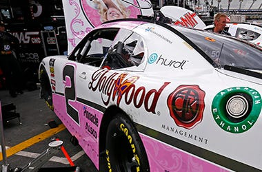 Dolly_Parton_Dollywood_NASCAR_Racing_Sponsor