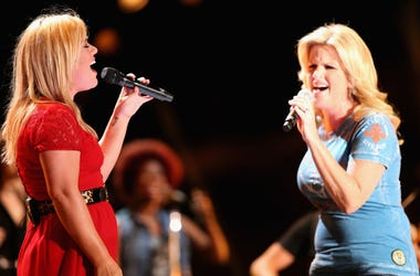 TRISHA YEARWOOD  KELLY CLARKSON