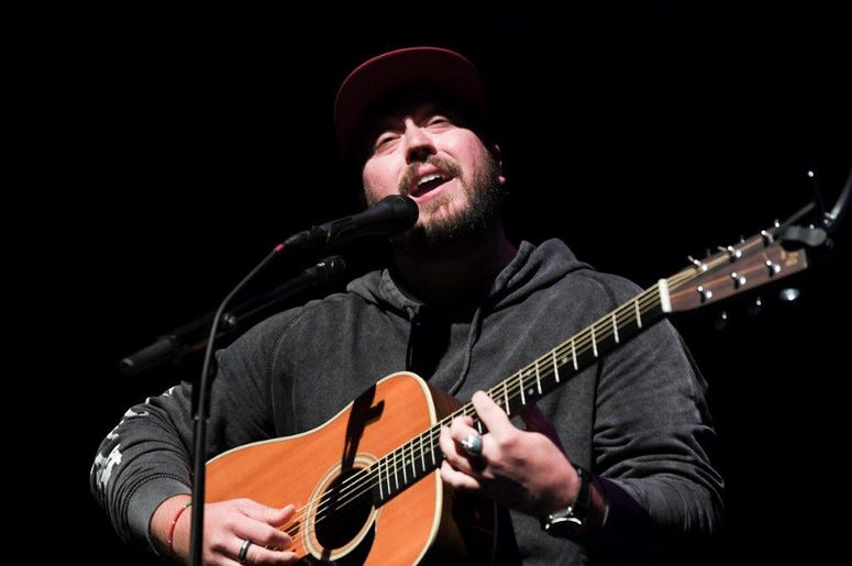 Mitchell Tenpenny at KISS Country 99.9 Stars & Guitars