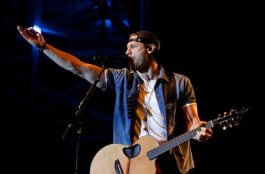 Chase Rice Plays to Packed Crowd In Tennessee With No Masks