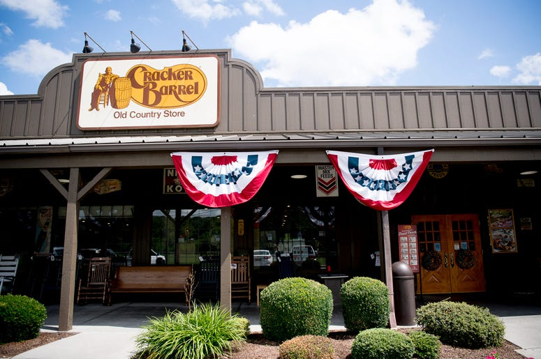 Cracker Barrel To Sell Beer And Wine