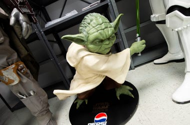 Baby Yoda Doll Set For Pre Orders