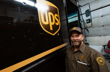 UPS Hiring Thousands
