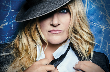 Trisha Yearwood's Signing Event at Willams Sonoma The Lincoln
