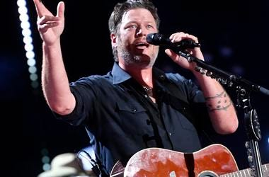 "Blake Shelton Featured on Pitbull Song ""Get Ready"""