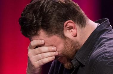 """Chris Young Breaks Down Singing """"Drowning"""""""