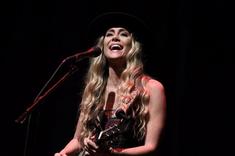 Carly Pearce at KISS Country 99.9 Stars & Guitars