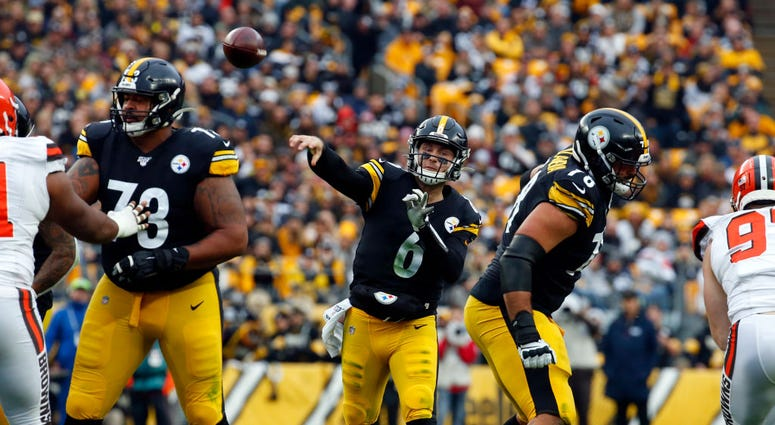 PITTSBURGH, PA - DECEMBER 01: Devlin Hodges #6 of the Pittsburgh Steelers throws a pass against the Cleveland Browns in the first half on December 1, 2019 at Heinz Field in Pittsburgh, Pennsylvania. (Photo by Justin K. Aller/Getty Images)