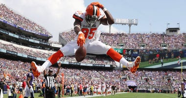 Browns TE David Njoku wants out of Cleveland, requests trade