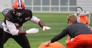 Emmanuel Ogbah Cleveland Browns
