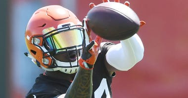Cleveland Browns running back Duke Johnson Jr., (29) catches a pass during organized team activities at the Cleveland Browns training facility.
