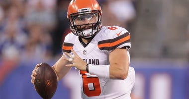 Cleveland Browns quarterback Baker Mayfield (6) throws the ball during the first half against the New York Giants at MetLife Stadium.