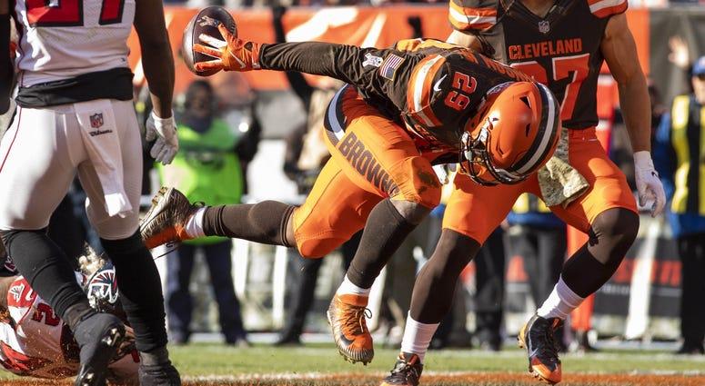 Duke Johnson scores a touchdown against the Atlanta Falcons