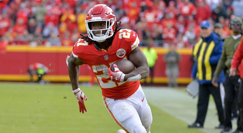 Nov 11, 2018; Kansas City, MO, USA; Kansas City Chiefs running back Kareem Hunt (27) runs the ball during the second half against the Arizona Cardinals at Arrowhead Stadium. The Chiefs won 26-14.
