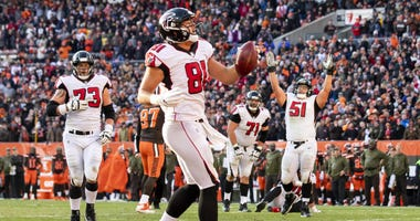 Atlanta Falcons tight end Austin Hooper (81) celebrates his touchdown against the Cleveland Browns during the fourth quarter at FirstEnergy Stadium.