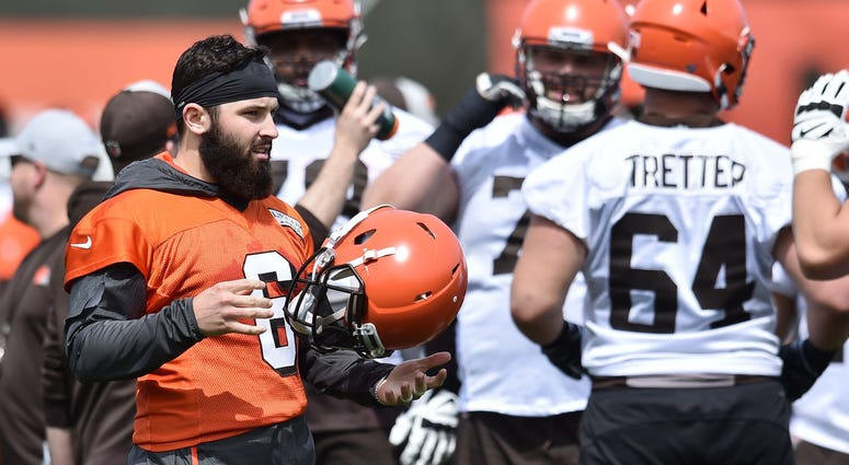 Cleveland Browns quarterback Baker Mayfield (6) prepares to run a play during organized team activities at the Cleveland Browns training facility.