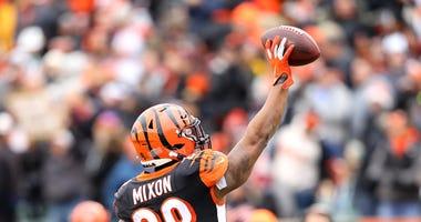 Dec 1, 2019; Cincinnati, OH, USA; Cincinnati Bengals running back Joe Mixon (28) celebrates after his touchdown during the second quarter against the New York Jets at Paul Brown Stadium. Mandatory Credit: Joe Maiorana-USA TODAY Sports